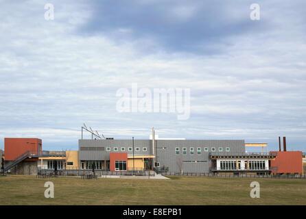 Umweltbildung und Ethik-Zentrum, ein Gebäude mit LEED-Gold-Standard Wasser Behandlung Feuchtgebiet in Ralph Klein - Stockfoto