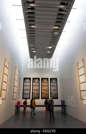 Galerie des Museums Soulages zeigt Kunst arbeitet Ausstellung von lokalen französischen Künstler Pierre Soulages in Rodez Aveyron Frankreich