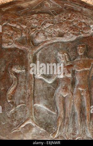 Basilika der Verkündigung. Adam und Eva. Die verbotene Frucht. - Stockfoto