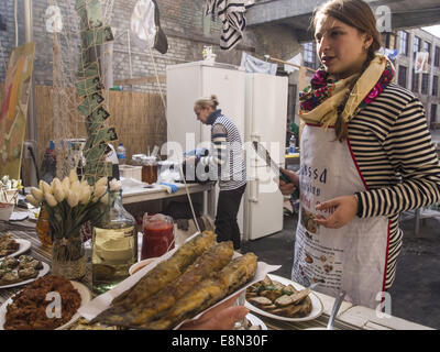 kiew ukraine 11 oktober 2014 gekochte garnelen street food pr sentiert traditionelle. Black Bedroom Furniture Sets. Home Design Ideas