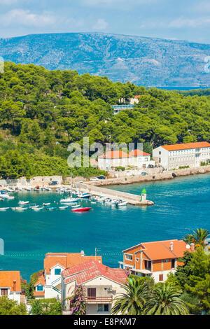Erhöhten Blick auf Hafen in Jelsa, Insel Hvar, Kroatien - Stockfoto