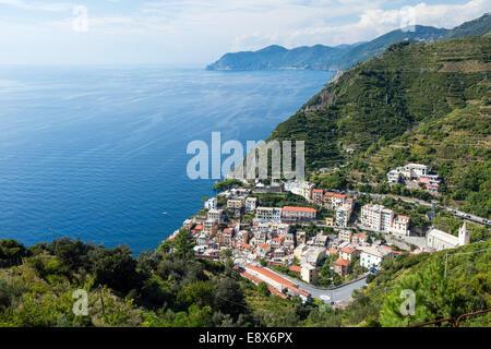 Schöne Aussicht auf Riomaggiore Dorf im Nationalpark der Cinque Terre, Italien - Stockfoto