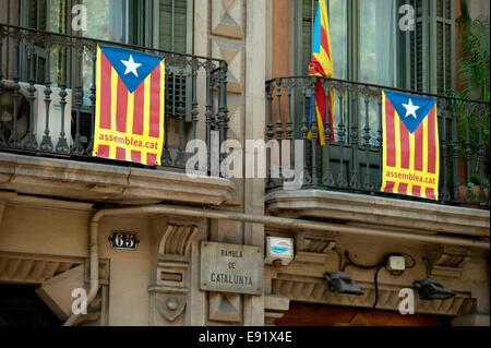 Spanien-Katalonien. Barcelona ist die Hauptstadt der Provinz Katalonien. September 2014 Las Ramblas, La Rambla. - Stockfoto
