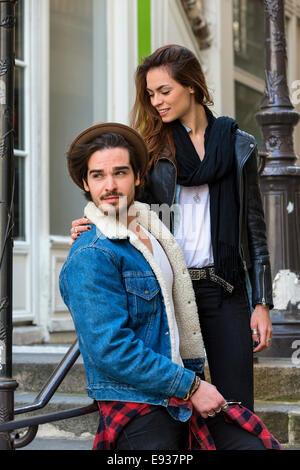 Paar in Paris - Stockfoto