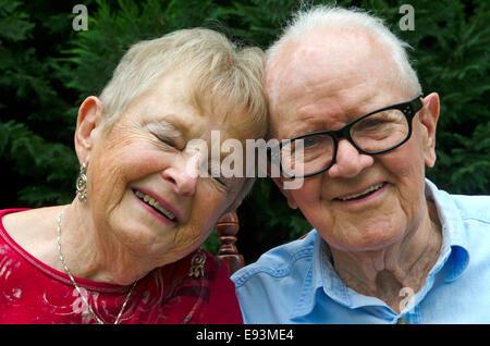 Porträt eines älteren Ehepaares hautnah. - Stockfoto