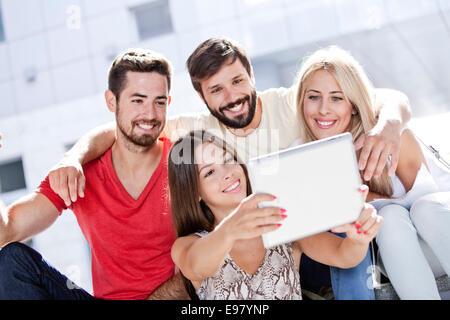 Universitätsstudenten, die ein Selbstporträt - Stockfoto