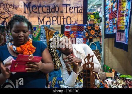 Lingotto Fiere, Turin, Italien. 25. Oktober 2014.  Salone del Gusto e Terra Madre - Stand von Mosambik Credit: wirklich - Stockfoto