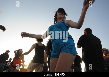 Los Angeles, USA. 27. Oktober 2014. Eine Gemeinschaft, bestehend aus Venice Beach Promenaden talentiertesten und - Stockfoto
