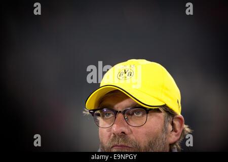 Hamburg, Deutschland. 28. Oktober 2014. Dortmunds Trainer Juergen Klopp vor dem DFB-Pokal 2. Runde Spiel zwischen - Stockfoto