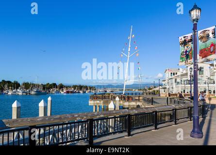 Die Promenade und den Hafen in der Innenstadt von Eureka am späten Nachmittag, Humboldt County, Kalifornien, USA - Stockfoto