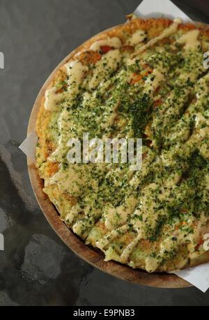Pizza im japanischen Stil in einem café - Stockfoto