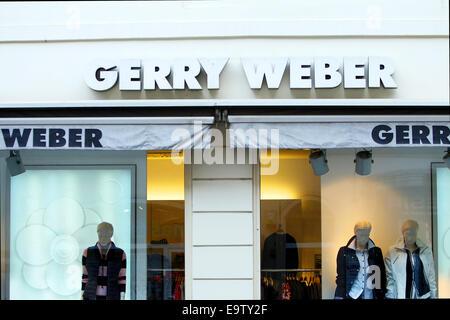 ZAGREB, KROATIEN - 24. Februar: Der Shop Fenster und Logo einer Gerry Weber store am 24. Februar 2014 in Zagreb, - Stockfoto