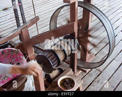 Myanmar-Inle-See Lotus Wurzel Seide Textilien - Stockfoto
