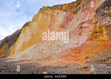 Bunten Klippen von Alum Bay, Isle Of Wight, UK. - Stockfoto