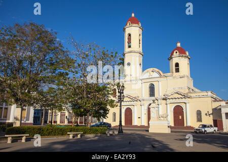 Catedral De La Purísima Concepción, Parque Marta, Cienfuegos, Provinz Cienfuegos, Kuba, West Indies, Karibik - Stockfoto