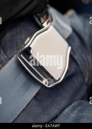 Nahaufnahme eines befestigten Flugzeug Sicherheitsgurt - Stockfoto