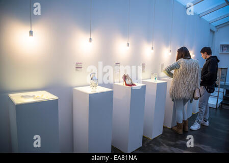 Museum der zerbrochenen Beziehungen, Interieur, Oberstadt, Zagreb, Kroatien - Stockfoto