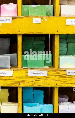 Handgemachte Seife zum Verkauf an der lokalen Craft Market. - Stockfoto