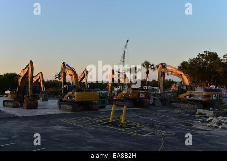 Hilton Hotel Fort Lauderdale ist abgerissen, um Platz für die Fertigstellung der neuen Südbahn in Fort Lauderdale - Stockfoto