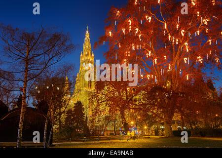 Wiener Rathaus und park - Stockfoto