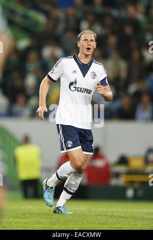 Lissabon, Portugal. 5. November 2014. Benedikt Howedes (Schalke) Fußball: UEFA Champions League-Gruppe G-match zwischen - Stockfoto