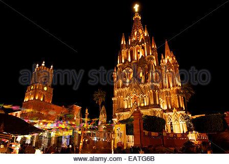 Blick auf La Parroquia Kirche in San Miguel de Allende. - Stockfoto