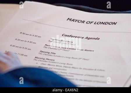 London, UK. 21. November 2014. Bildungskongress des Bürgermeisters im Rathaus Credit: Guy Corbishley/Alamy Live - Stockfoto