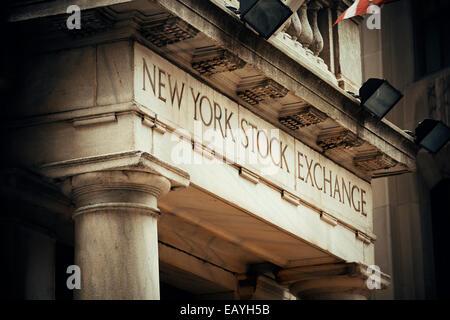 NEW YORK CITY - SEP-5: Nahaufnahme New York Stock Exchange am 5. September 2014 in Manhattan, New York City. Es - Stockfoto