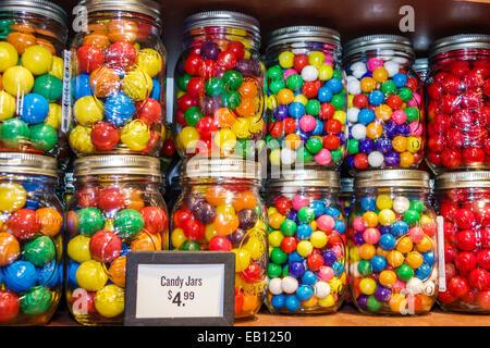 Vero Beach Florida Cracker Barrel Country Store Mason Gläser Süßigkeit Süßigkeiten Verkauf - Stockfoto