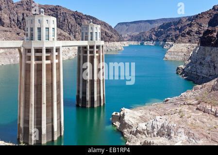 Ein Blick auf den Hoover-Staudamm auf dem Colorado River. - Stockfoto