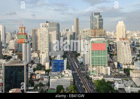 Blick auf Bangkok die Stadt mit Hauptverkehr - Stockfoto