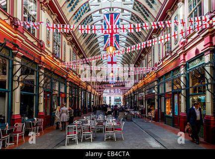 Leadenhall Market ist eine Markthalle in London, gelegen an der Gracechurch Street, City of London.