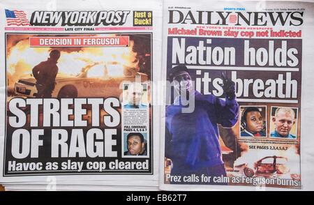 Die New York Daily News und die New York Post berichten über Dienstag, 25. November 2014 über die Ausschreitungen - Stockfoto