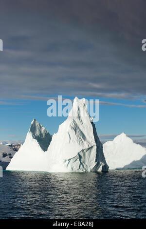 Eisberge in der Morgen Licht, antarktische Halbinsel, Antarktis - Stockfoto