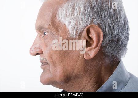 Porträt eines älteren Mannes im Profil, - Stockfoto