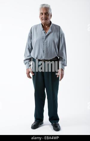 Porträt von einem älteren Mann lächelnd, - Stockfoto