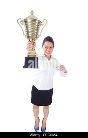 indische Frau Sieg Trophäe Wirtschaftspreis - Stockfoto