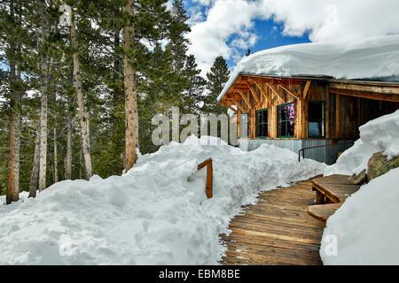 Verschneite Fritz Hütte, Benedikt Hütten in der Nähe von Aspen, Colorado USA