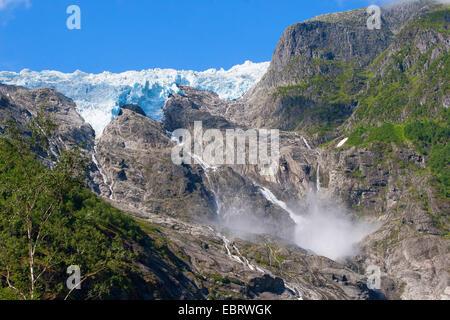 Jostedalsbreen-Gletscher und Gletscher Stream, Norwegen, Nationalpark Jostedalsbreen, Supphella - Stockfoto