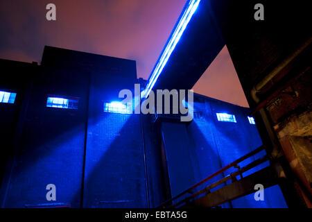 Kokerei Hansa in der Nacht, Dortmund, Ruhrgebiet, Nordrhein-Westfalen, Deutschland - Stockfoto