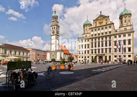 Rathaus Rathaus Platz und der Turm Perlachturm, Deutschland, Bayern, Augsburg - Stockfoto