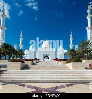 Ansicht der Sheikh Zayed Grand Mosque, Vereinigte Arabische Emirate - Stockfoto