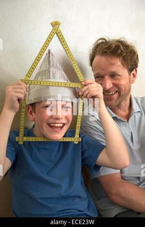 Idee Planung neue Zimmer Haus glücklicher Junge - Stockfoto