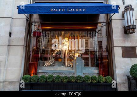 ... Frauen Blutgerinnsel  Schaufenster im Ralph Lauren Store In der New  Bond Street, London, England - Stockfoto 10b5642da1