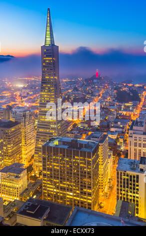 San Francisco ist das kulturelle Zentrum und eine führende Finanzzentrum der San Francisco Bay Area und Nordkalifornien. - Stockfoto