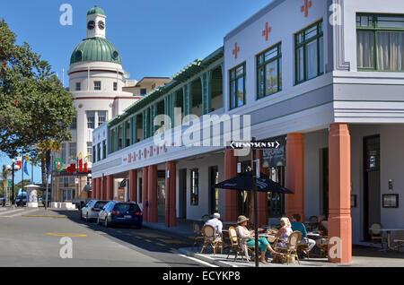 NAPIER, NZL - Dez 03 2014:Napier CBD. Es ist eine beliebte touristische Stadt mit einer einzigartigen 1930er Jahre - Stockfoto