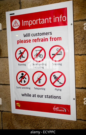 """Oxenholme Cumbria UK Warnzeichen 22. Dezember 2014 neu überhaupt Jungfrau Bahnhöfen Fragen Kunden zu """"TELEPORTIEREN"""" - Stockfoto"""