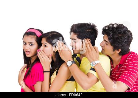indische College Freunde Gerücht - Stockfoto