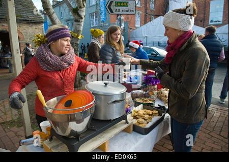 Stall zu verkaufen Glühwein & Mince Pies während Feinschmeckerfest Kington Herefordshire England UK - Stockfoto