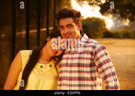 2 indische Paare park Romantik - Stockfoto
